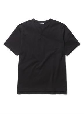 라운드 슬릿 변형넥 반팔 티셔츠 (BK)