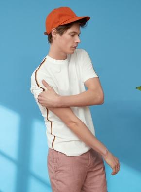 멀티 컬러 라인 디테일 포인트 티셔츠